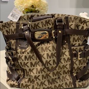 Handbags - Michael Kors hand bag